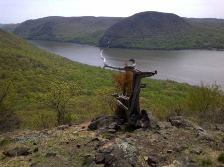 Perch_on_Sugarloaf_Mountain_-_New_York..jpg